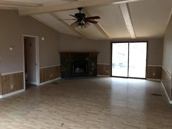 8045 Scott Roberson Hollo, Wise, VA - living room.jpg