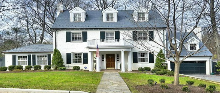 Classic Colonial!
